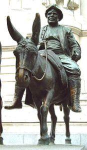 175px-Monumento_a_Cervantes_(Madrid)_10b